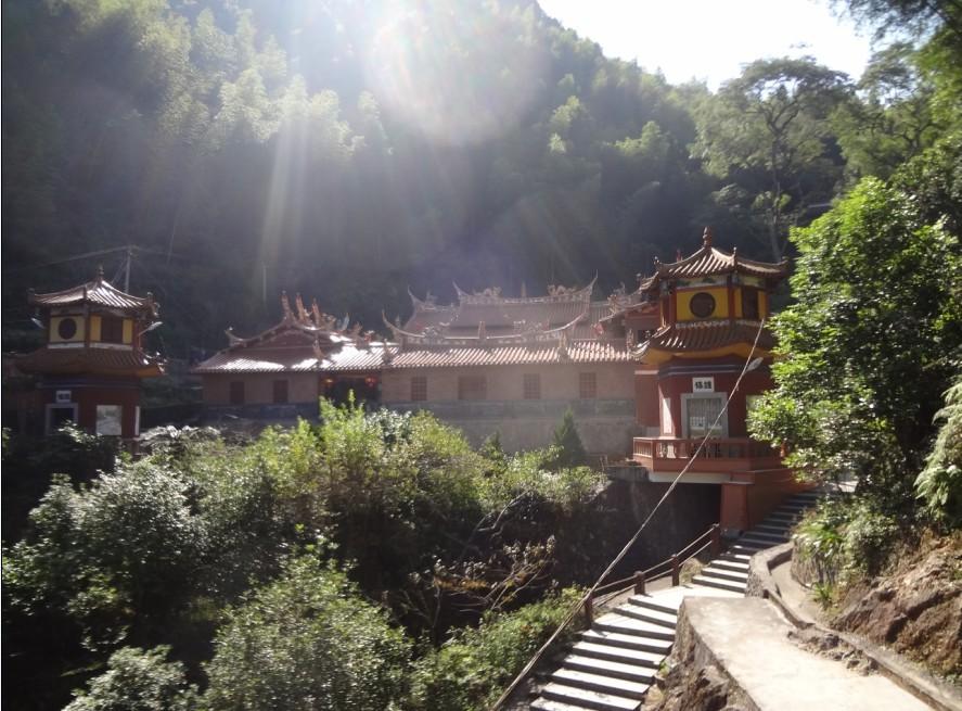 锦斗镇还策划生成乌髻岩旅游风景区开发项目